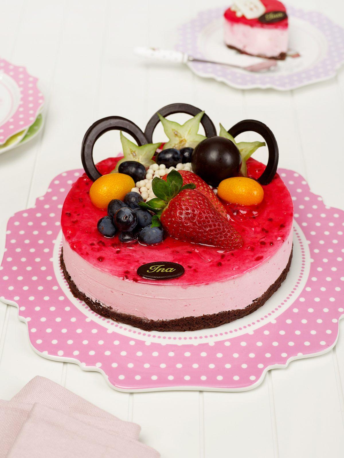 Tort de mascarpone cu zmeura/ fructe de padure - Cofetaria